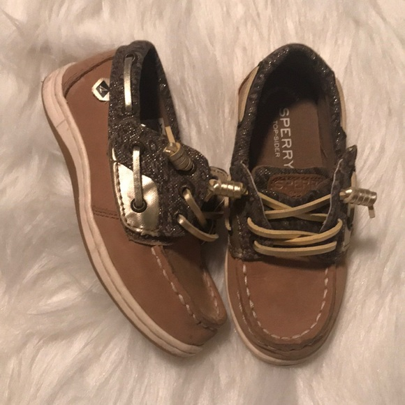 4a7c4099870 Sperry Topsider Songfish Jr. Boats Shoe. M 5c172885e944bac8d34c7486